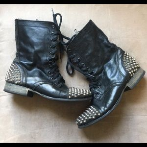Steve Madden Leather Studded Combat Boots Size 7